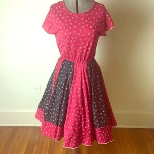 Dresses & Skirts - Vintage 1970s Red, Black & White Poly Dress